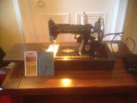 Vintage Singer sewing machine in full working order!