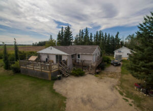 CR5 Acreage with House and Garage, Bezanson, AB