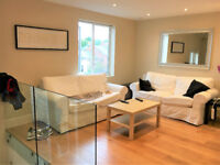 A luxury en-suite double room with private terrace in flat share in Acton