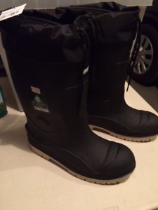 Brand New Winter Safety Boots. Size 11