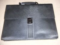 ( New and Genuine ) Burberry Leather Accordion Briefcase - black