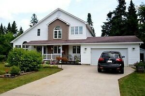 Executive Home in Covered Bridge Estates, 10 mins to Costco