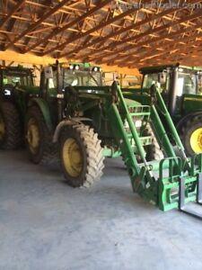 2003 John Deere 7520 Tractor