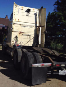2007 VOLVO TRUCK for sale price to sell