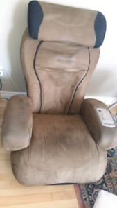 IJOY Massage Chair Excellent Condition MAKE OFFER!