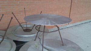 Table ronde en aluminium