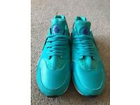 Brand new Nike huaraches Size 7.5
