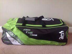 Kookaburra Elite 400 cricket bag