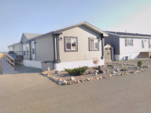 Wanting to trade 2010 mobile in macleod for house in pincher