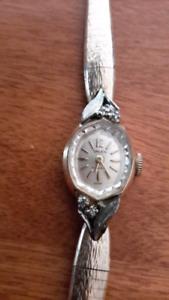 Très belle montre Ancienne