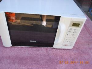Nice Sized Kenmore Microwave