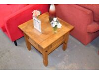 Pine coffee table - GT 239