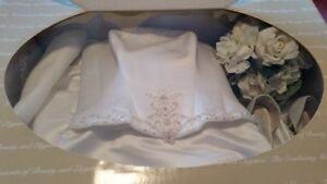 Stunning Ivory Wedding Dress with Detachable Train