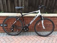 Carrera Crossfire Hybrid/ Mountain Bike