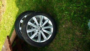 225 45 17  vw  rim and tire