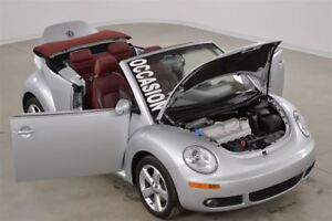 2009 Volkswagen New Beetle Convertible 2.5L Silver-Red Edition A