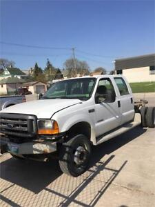 2001 Ford Super Duty F-550 XL Chassis