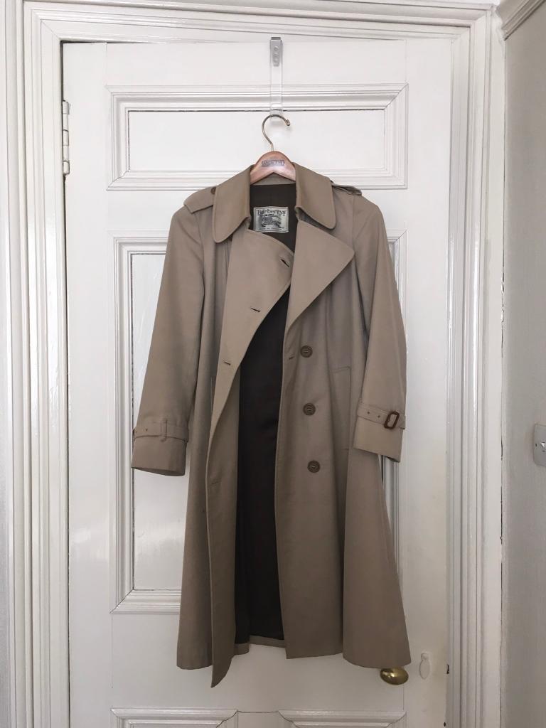 Women s Burberry coat  41ccd657b