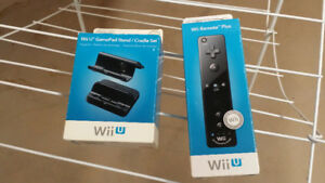 Wi I U Remote and Game Pad Stand/ Cradle Set