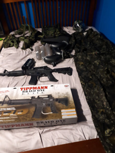 Paintball Tippmann Bravo One Elite and gear