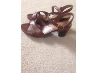 Brown sandals Natural Soul By Naturalizer.