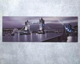 LED London Canvas £19.00 NEW