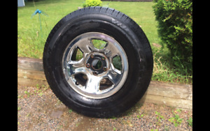 3 Tires, 4 rims Goodyear Wrangler P265/70R17