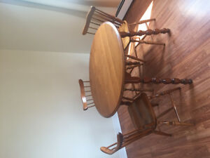 Moving sale!!! Dining table set w/ 3 matching chairs and Leaf