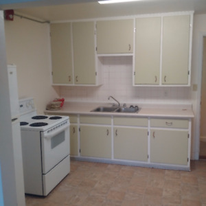 Campbellford Apartment 1 bdrm plus den downtown aval 1 Oct