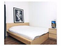 * * 1 Lovely Room in High street Kensington Flatshare * *