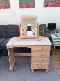 Children's Dressing Table/Desk With Mirror