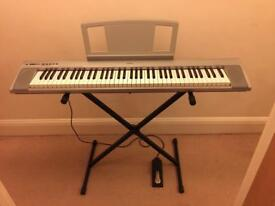 Keyboard Yamaha NP-30 Portable Grand