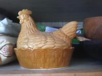 Chicken egg basket pot ceramic kitsch vintage retro