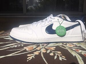 Air Jordan 1 low midnight navy blue