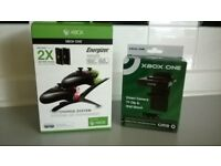 XBOX ONE CHARGE SYSTEM AND KINECT TV CLIP/WALL MOUNT BOXED, AS NEW