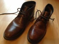 Howick Mens brown Boots - size 9 (worn once)