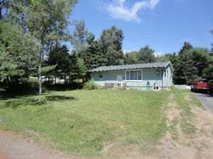 Beautiful Location In Tantallon!! (Arden Pickles)
