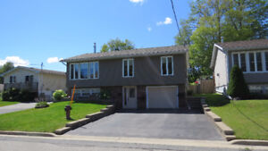 4 Vienna Place in Elliot Lake ON