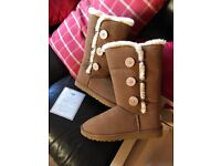 Womans Size 8 Uggs Brand new never been worn