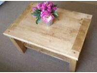 Coffee Table Solid Wood in Oak