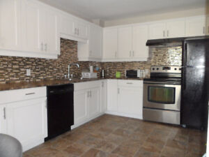 GORGEOUS DETACHED-6 BDRMS,JUST RENOVATED! NEW DRIVEWAY
