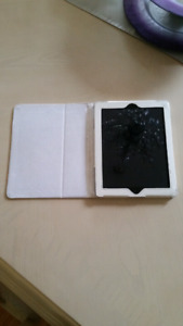 128gb IPAD 4   **perfect condition**