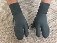 Wetsuit mitt - size large