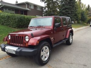 2008 Jeep Wrangler Sahara SUV - VERY LOW KMS!!