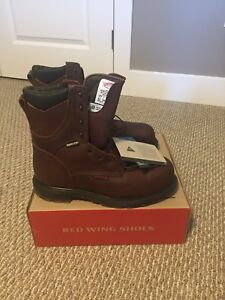 NIB Red Wing work boots Size 11- Style 2412