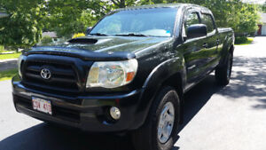 2005 Toyota Tacoma TRD Sport Pickup Truck--recall done on frame