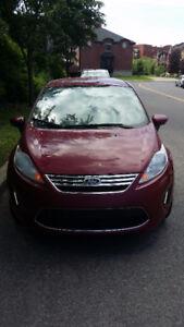 Belle voiture Ford Fiesta à vendre