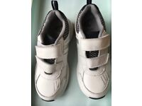 Clarks white trainers 10 (1/2) F