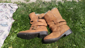 Brand new size 9 boots