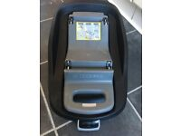 Maxi cosi Pebble car seat & isofix base